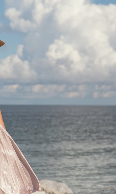 11 Ways to Look Gorgeous in Your Vacation Photos